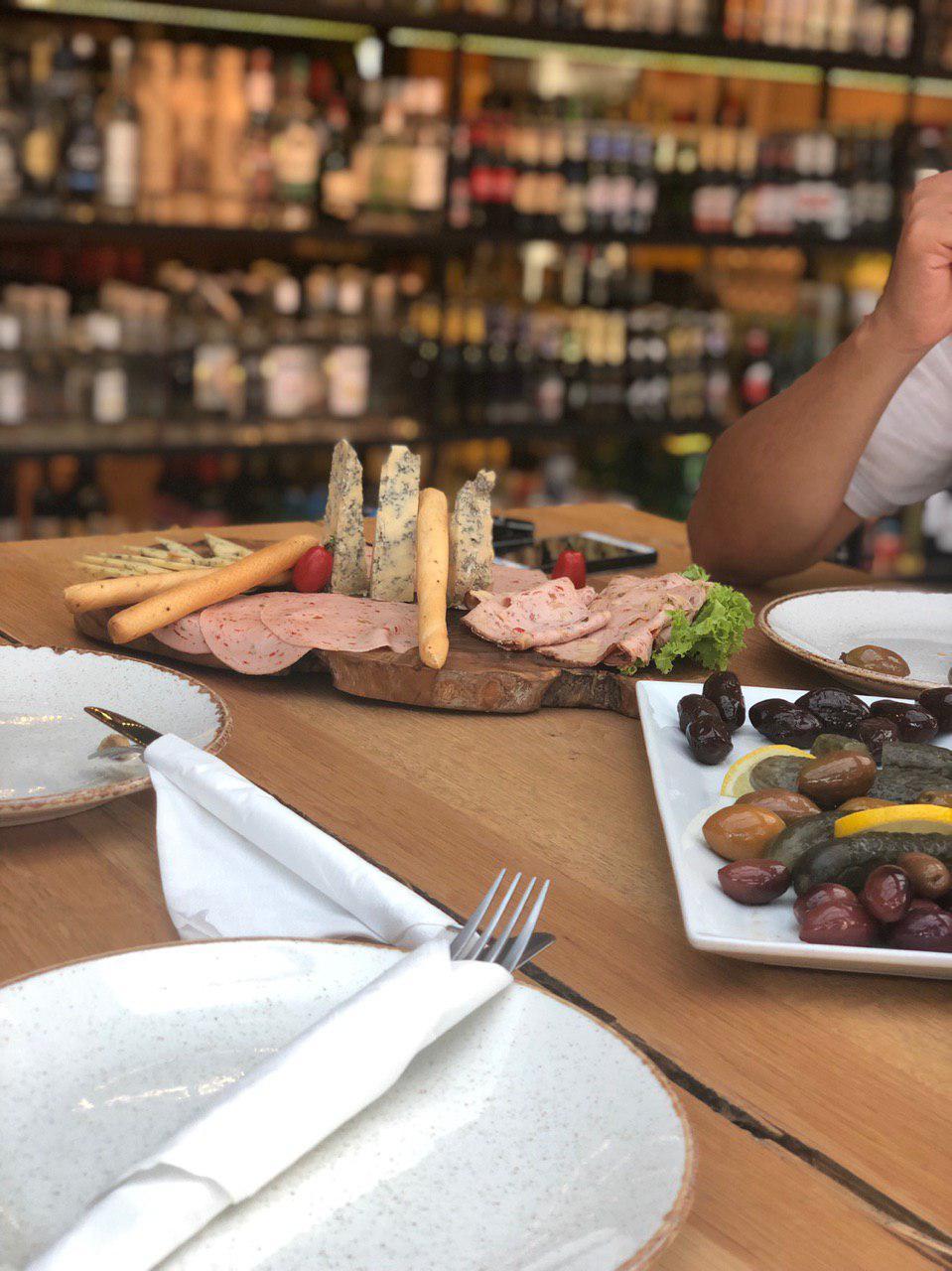 رستوران ایتالیایی منطقه گلیفادا - italian delicatessen,glyfada